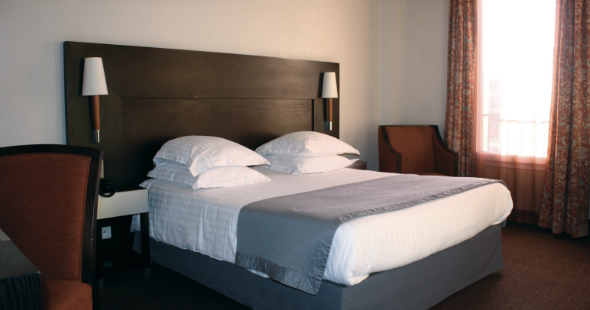 Hotel rooms in marseille close to canebiere new hotel for Hotels 3 etoiles marseille