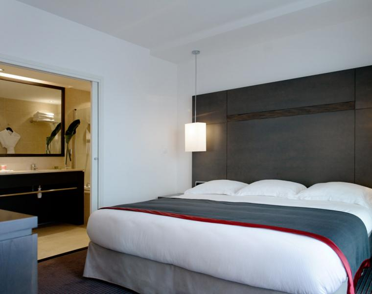 Book A Room In Marseilles Star Hotel New Hotel Of Marseille - Hotel marseille vieux port pas cher