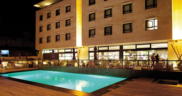 Illustration piscine Newhotel of Marseille